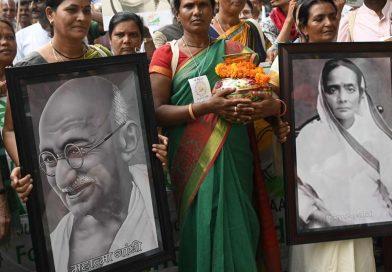 Roban cenizas de Gandhi en celebración de su 150 aniversario