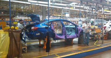 Tiene producción de autos caída histórica