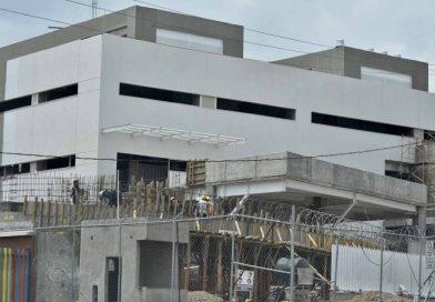 Por corrupción, 300 hospitales están abandonados